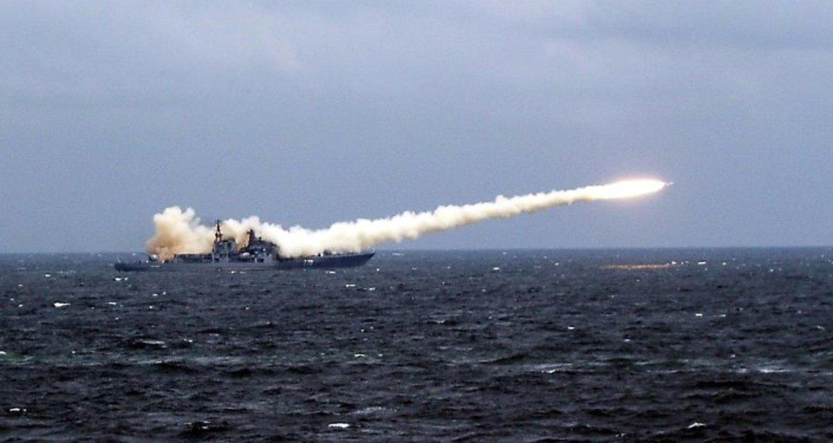 Αυτοί είναι οι πύραυλοι που συνοδεύουν τα πολεμικά πλοία που στέλνει o Πούτιν στη Μεσόγειο[vid] | Newsit.gr