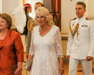 Καμίλα Πάρκερ: Η… νύφη το 'σκασε και πήγε στο Προεδρικό Μέγαρο! [pics]