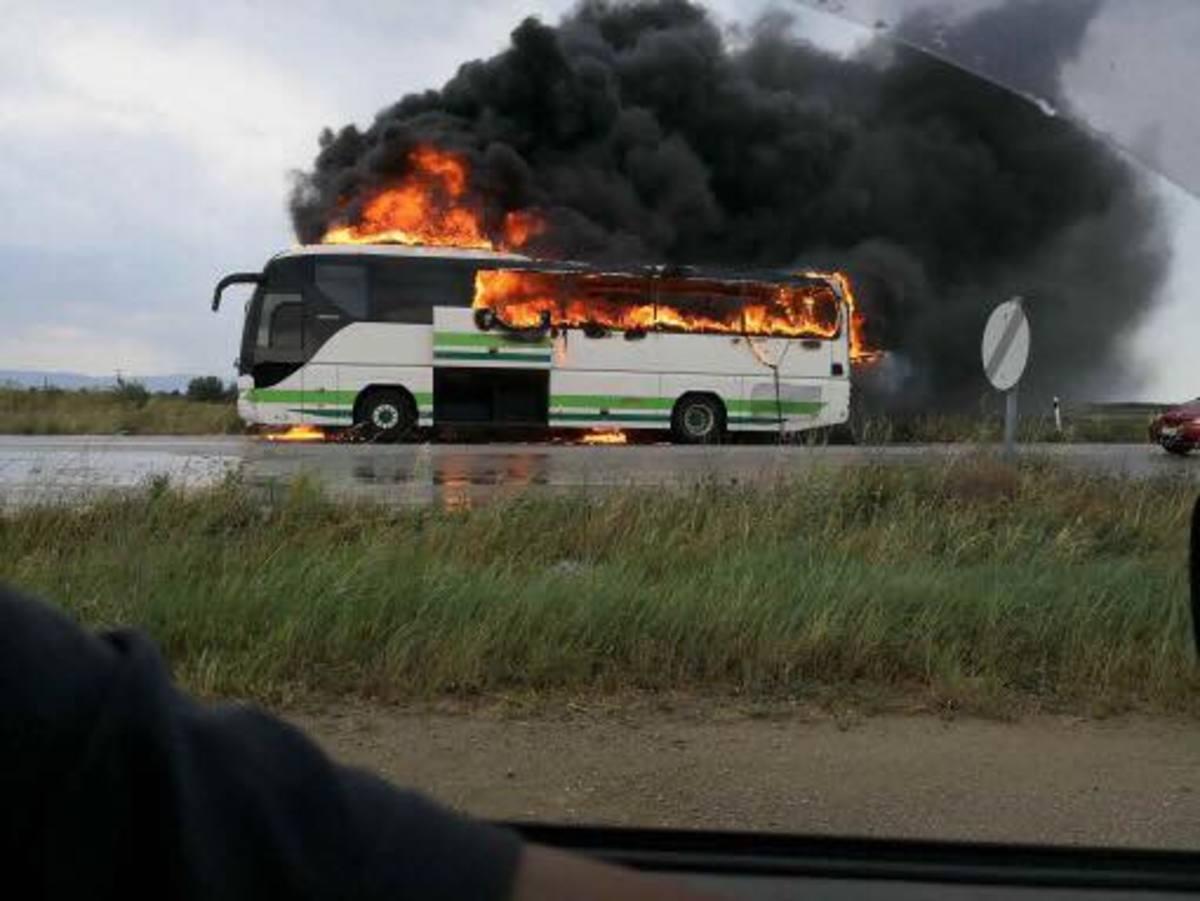 Πανικός στον Έβρο: Κεραυνός χτύπησε λεωφορείο του ΚΤΕΛ γεμάτο επιβάτες (Βίντεο & φώτος)