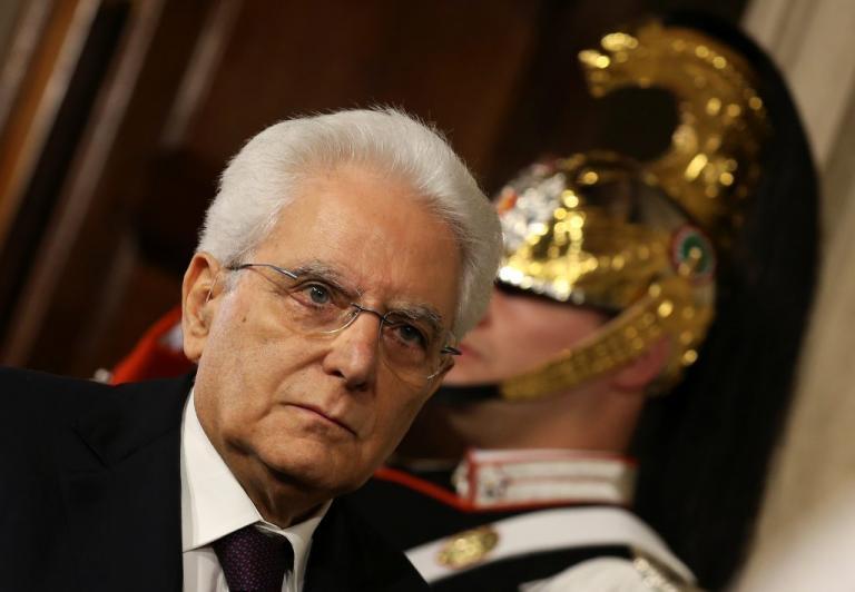 Δραματικό διάγγελμα Ματταρέλλα μετά την εμπλοκή: Γιατί «μπλόκαρα» τον Σαβόνα | Newsit.gr