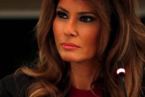 Ξέσπασε η Μελάνια Τραμπ κατά των ΜΜΕ – Το οργισμένο tweet!
