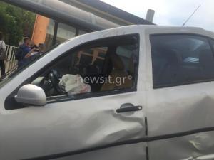 """Δυστύχημα στη Μεταμόρφωση: """"Άλλο αυτοκίνητο χτύπησε το ΙΧ πριν πέσει στη στάση"""" – Τι λέει ο δικηγόρος του οδηγού"""