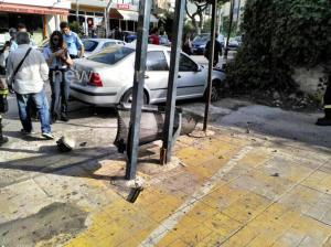 Τρόμος στη Μεταμόρφωση – Αυτοκίνητο έπεσε σε στάση λεωφορείου – Ένας νεκρός