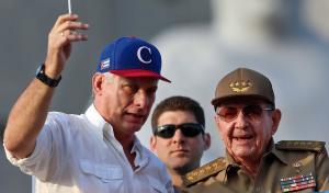 Κούβα: Στο πλευρό του Μιγκέλ Ντίας ο Ραούλ Κάστρο στην μεγάλη συγκέντρωση για την Εργατική Πρωτομαγιά [pics]
