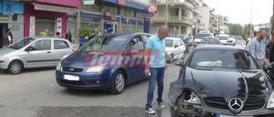 Πάτρα: Σπορ αυτοκίνητο «καρφώθηκε» σε παρκαρισμένο – Άγιο είχε μια πεζή
