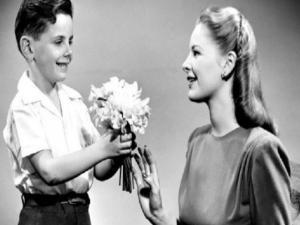 Πώς και πότε ξεκίνησε η γιορτή της Μητέρας