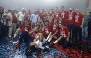 Το σήκωσε με «σκούπα» ο Ολυμπιακός! Πρωταθλητής Ελλάδας στο βόλεϊ ανδρών