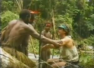 Πρωτόγονη φυλή συναντά πρώτη φορά λευκό άνδρα