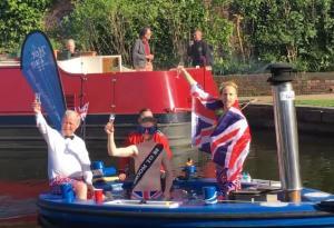 Πρίγκιπας Κάρολος, Πρίγκιπας Γουίλιαμ και Πρίγκιπας Χάρι σε καυτό τζακούζι ή… και όχι!