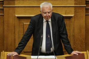 """Συγκινημένος ο Πικραμένος στη Βουλή: """"Σας ζήτησα να παραδοθώ αθώος στην κοινωνία"""" [pics]"""