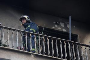 Φωτιά σε διαμέρισμα στην Καλλιθέα – Τρεις τραυματίες