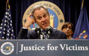 Σάλος στις ΗΠΑ: «Βαρύ χέρι» ο γενικός εισαγγελέας της Νέας Υόρκης! Καταγγελίες «φωτιά» και παραίτηση