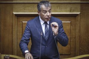 Θεοδωράκης για Novartis: Στήθηκε μια επιτροπή – ντεκόρ για να βγάλουν κάποιοι βουλευτές φωτογραφίες