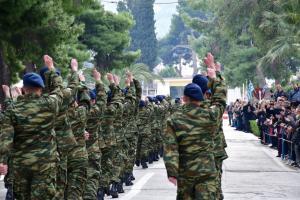 Στρατιωτική θητεία: Με τροπολογία Κουβέλη μειώνεται στο μισό για συγκεκριμένη κατηγορία