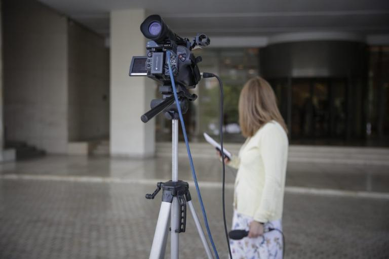 Κυβερνητικός αξιωματούχος: Περικοπές στις συντάξεις το '19, μείωση αφορολογήτου το '20 | Newsit.gr