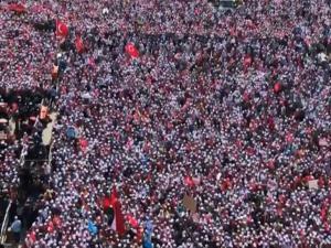 Λαοθάλασσα στο Γενίκαπι! Περίπου 500.000 διαδηλωτές υπέρ της Παλαιστίνης [vids]