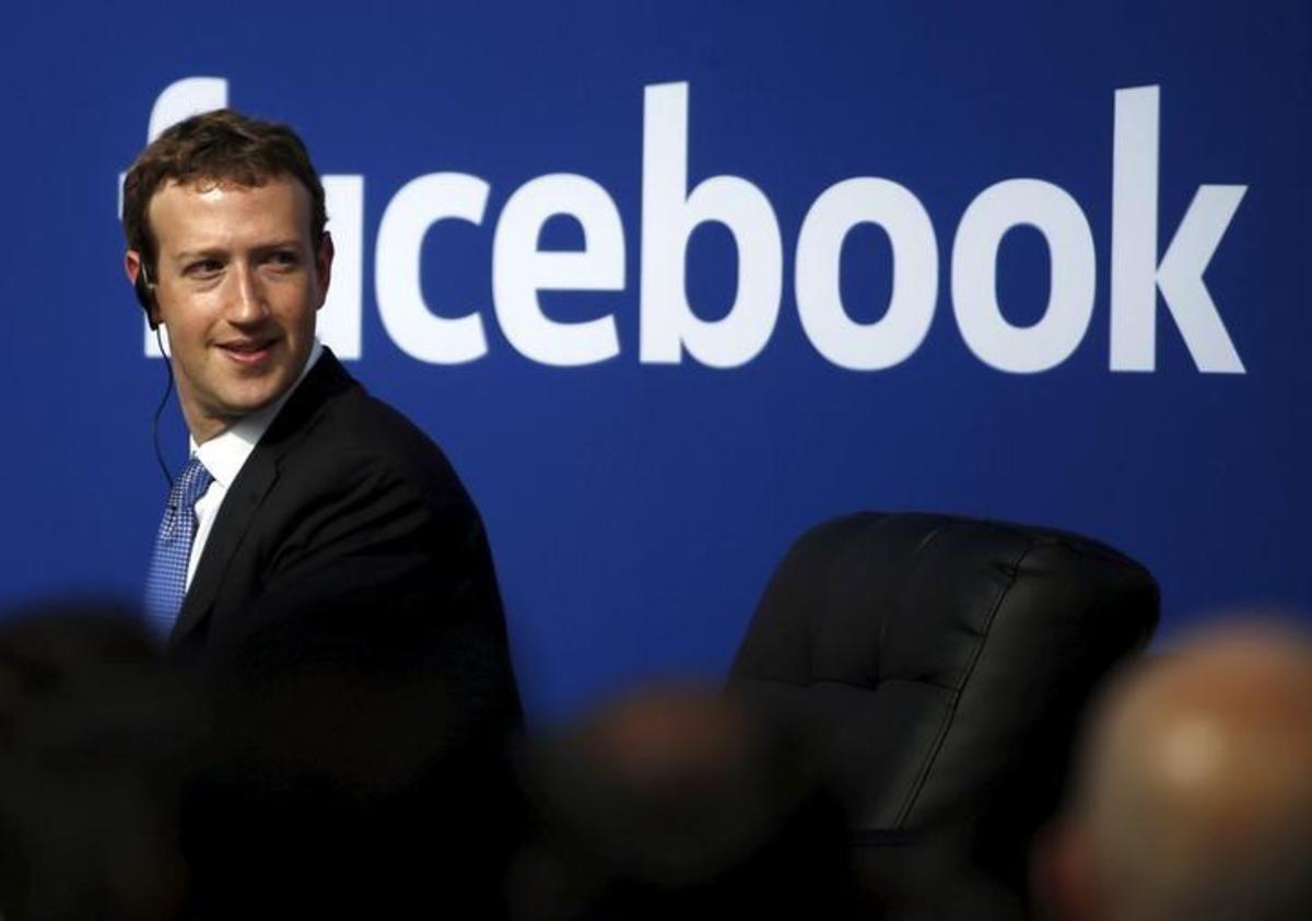 Σκάνδαλο Facebook: Ο Μαρκ Ζάκερμπεργκ δέχτηκε να μιλήσει σε εκπροσώπους του Ευρωπαϊκού Κοινοβουλίου