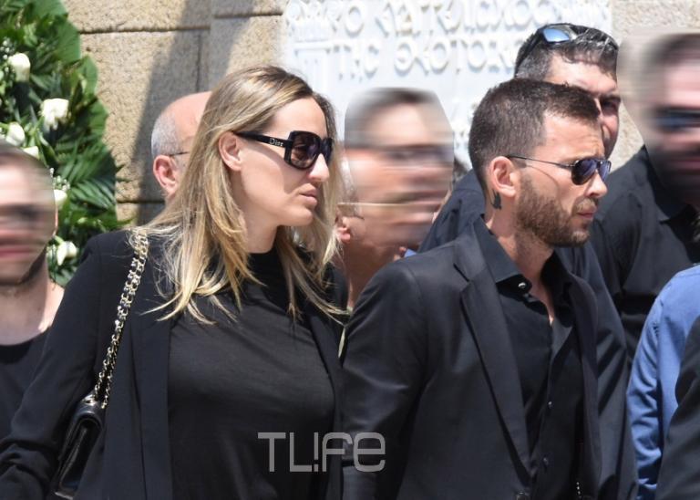 Ελεονώρα Μελέτη – Θοδωρής Μαροσούλης: Συντετριμμένοι στην κηδεία του Παύλου Γιαννακόπουλου – Η άγνωστη συγγένεια των δύο αντρών