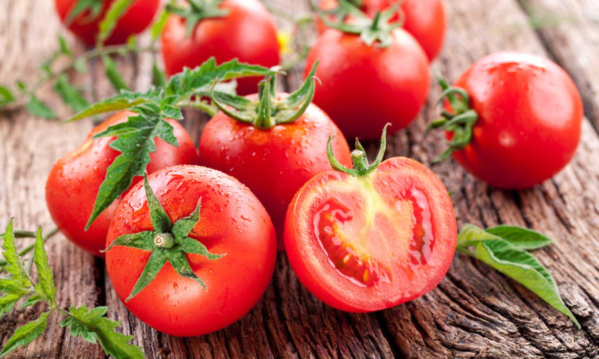 Το κόλπο για να μένουν περισσότερο φρέσκιες οι ντομάτες!