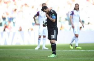 """Μουντιάλ 2018: Αργεντινή – Ισλανδία 1-1 ΤΕΛΙΚΟ: """"Ψάρωσαν"""" τον Μέσι και πήραν την ισοπαλία!"""