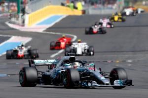 Formula 1: «Βόλτα» για τον Χάμιλτον στη Γαλλία! Ξέφυγε ο Βρετανός