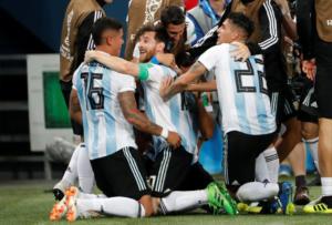 """Μουντιάλ 2018: Νιγηρία – Αργεντινή 1-2 ΤΕΛΙΚΟ! Ο Ρόχο με """"χρυσό"""" γκολ χάρισε την πρόκριση"""