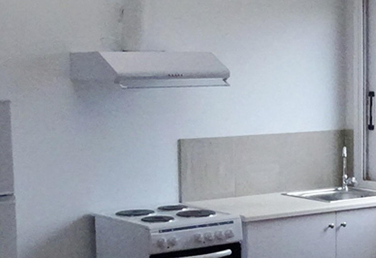 Λάρισα: Ο απορροφητήρας έκρυβε 10.000 ευρώ – Ο ιδιοκτήτης προσπαθούσε να πιστέψει στα μάτια του! | Newsit.gr