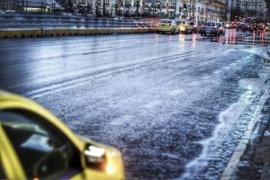 Καιρός: Κακοκαιρία «σαρώνει» τη χώρα! Καταιγίδα στην Αττική – Ισχυροί άνεμοι και βροχές στα βόρεια προάστια