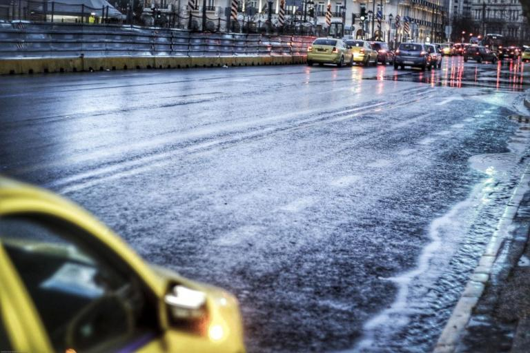 Καιρός: Κακοκαιρία «σαρώνει» τη χώρα! Καταιγίδα στην Αττική – Ισχυροί άνεμοι και βροχές στα βόρεια προάστια | Newsit.gr