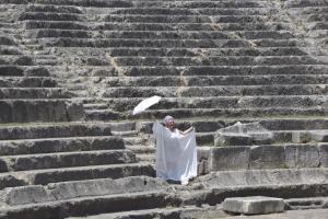 """Χανιά: """"Ζωντανεύει"""" ξανά το αρχαίο θέατρο της Απτέρας μετά από 17 αιώνες θεατρικής σιωπής!"""