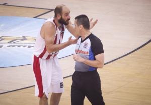 Ολυμπιακός – Παναθηναϊκός: «Αιχμές» Σπανούλη σε διαιτητή! «Εσύ το έκανες αυτό»