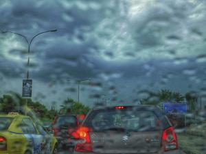 Καιρός: Τροπική Δευτέρα! Βροχές, καταιγίδες και ζέστη