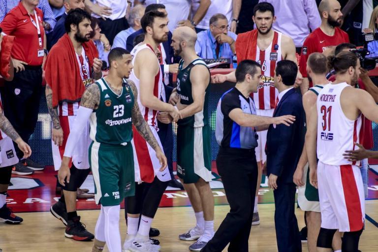 Ολυμπιακός – Παναθηναϊκός: «Ζούγκλα, εισβολή οπαδού στα αποδυτήρια» | Newsit.gr