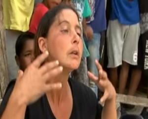 Άμφισσα: Τελευταίο αντίο στην 13χρονη Γιαννούλα με δάκρυα και απειλές – Η πρώτη σύλληψη για τη δολοφονία [vid]
