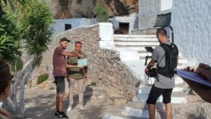 Αμοργός: Ο Νίκος Αλιάγας και το γαλλικό κανάλι TF1 κάνουν γυρίσματα στο νησί