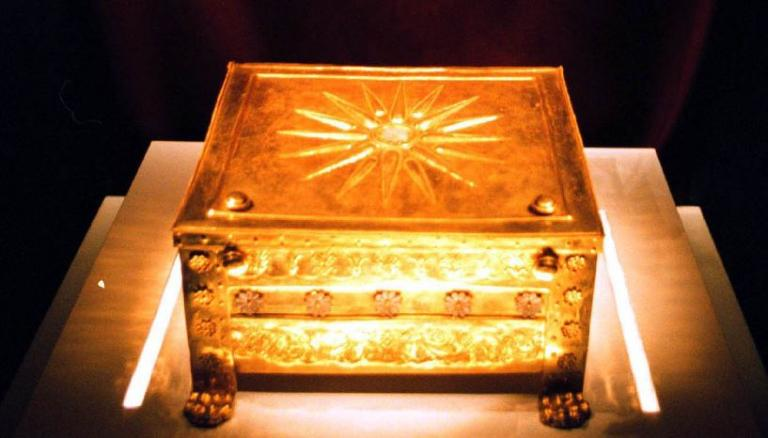 Βρήκα έναν μακεδονικό τάφο! Τι να τον κάνω; | Newsit.gr