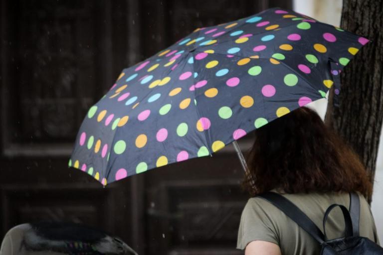 Καιρός: 30αρια στο θερμόμετρο και βροχές – Αλλαγή σκηνικού από αύριο