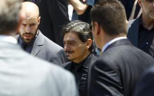 """Παύλος Γιαννακόπουλος: """"Διαλυμένος"""" ο γιος του, Δημήτρης! Ανατριχιαστικά συνθήματα [pics]"""