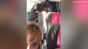 Ασυγκράτητοι εραστές! Έκαναν σεξ στο αεροπλάνο