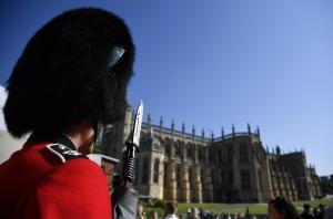 Τη βίασε φρουρός της βασίλισσας Ελισάβετ στο κάστρο Windsor – «Αν ουρλιάξεις θα σε σκοτώσω»