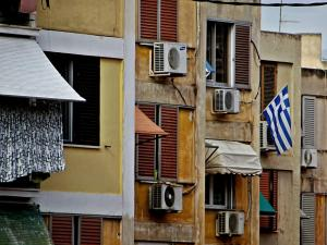 Λάρισα: Απείλησε τον γείτονα με αεροβόλο για το… air condition!