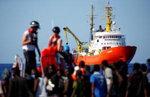 Aquarius: Βρέθηκε λύση για τους 693 πρόσφυγες και μετανάστες – Σε ποιά χώρα θα πάνε