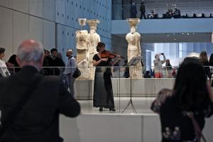 Γενέθλια σήμερα για το Μουσείο Ακρόπολης – Πόσους επισκέπτες δέχτηκε μέσα στο 12μηνο