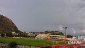 Δεκάδες κεραυνοί σε καταιγίδα στο Ναύπλιο [vid]