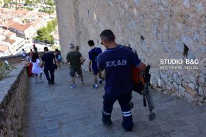 Ναύπλιο: Επιχείρηση διάσωσης Ισπανού που κατέρρευσε ανεβαίνοντας τα 1.000 σκαλοπάτια [pics]