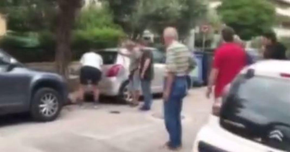 Εικόνα σοκ – Ο νονός της νύχτας πεσμένος μέσα στα αίματα στο Παλαιό Φάληρο | Newsit.gr