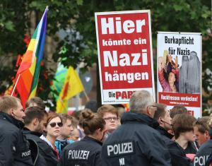 Αυστρία: Καταδίκη 19χρονου νεοναζί – Γέμισε το σώμα του με τατουάζ χιτλερικών συμβόλων