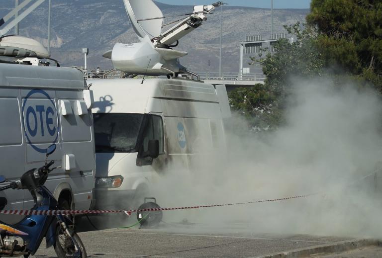 Ολυμπιακός – Παναθηναϊκός: Τρεις αστυνομικοί στο νοσοκομείο από τις συμπλοκές στο ΣΕΦ! | Newsit.gr