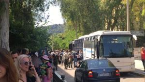 Με λεωφορείο τα μέλη του Ρουβίκωνα στα δικαστήρια