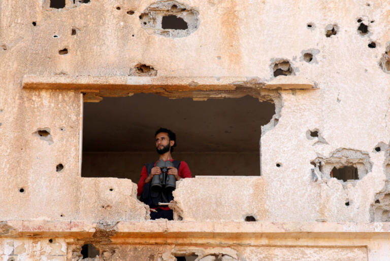 Συρία: Ελικόπτερα του Άσαντ ρίχνουν βαρέλια με εκρηκτικά!